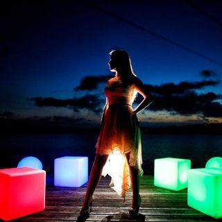 Mobiliario con luz Somos fabricantes