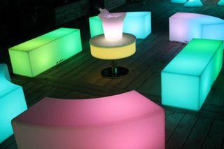 Bar y muebles con luz