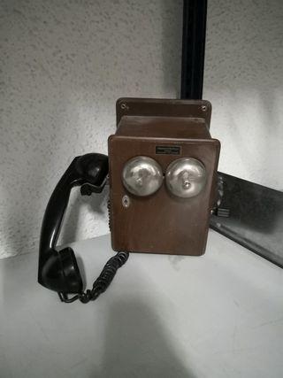 Teléfonos antiguos.
