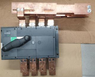 Seccionador Switch Schneider Compact INS 1000