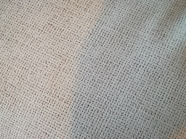 ÚLTIMO DIA Sofa diseño semilunar y plumón