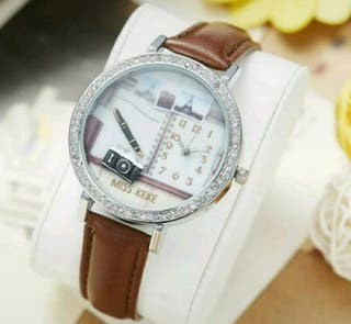Relojes 3d marrón