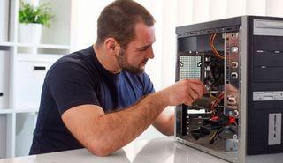 Informático. Reparación de ordenadores