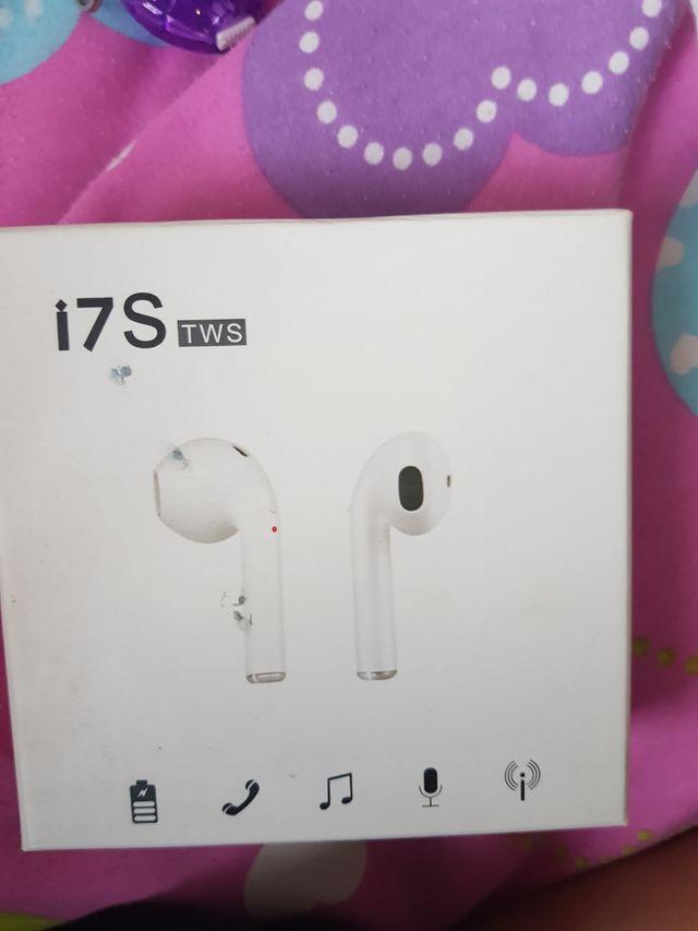 i76 wireless hedphones
