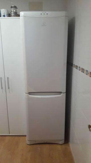 frigorífico indesit.