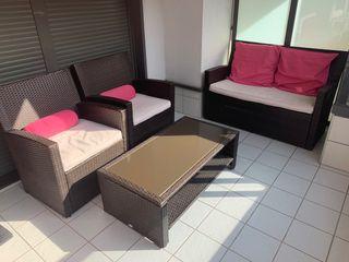Juego sofás y mesa de jardín