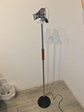 Lámpara de pie + mini foco de teatro