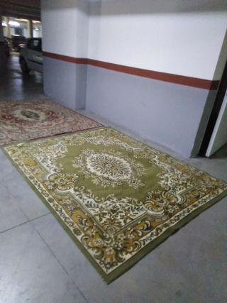 se venden dos alfombras juntas o separadas .