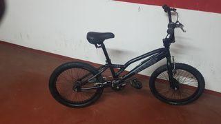 Bicicleta BMX marca MONTY