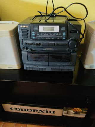 compacto radio y CD Aiwa