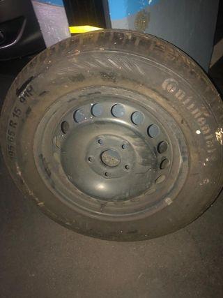 Dos ruedas de repuesto