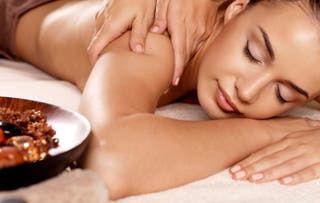 Masaje relajante para mujeres.