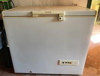 Congelador horizontal arcón IGNIS urge vender