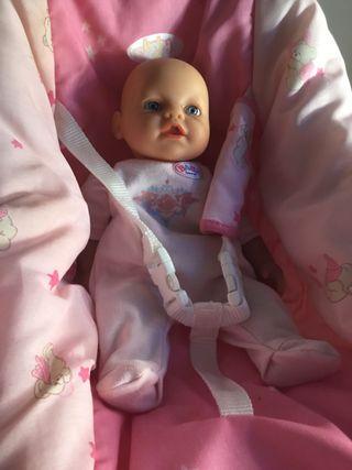 Maxicosi y muñeco BABYBORN