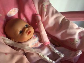 BABYBORN muñeco y maxicosi