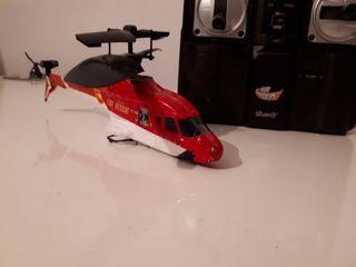 Helicóptero teledirigido rojo de Air Riders