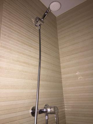 Grifo de ducha con teléfono
