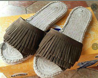 Sandalia plana esparto flecos verde kaki