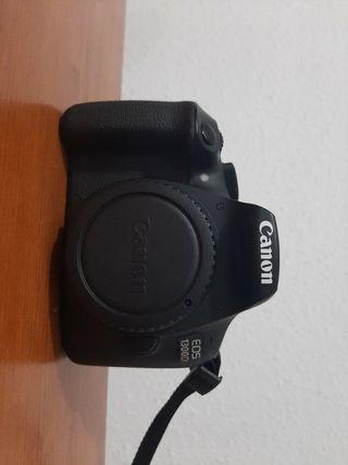 Cámara Canon Eos 1300D + Objetivo Canon 18-55 mm