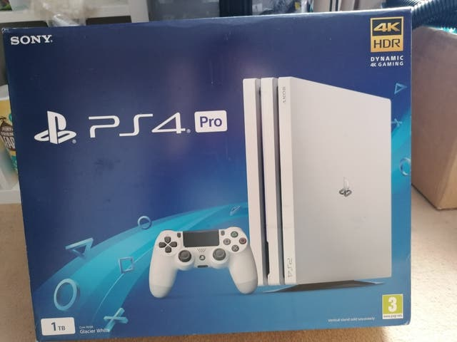 White Ps4 Pro HUGE BUNDLE £450ONO