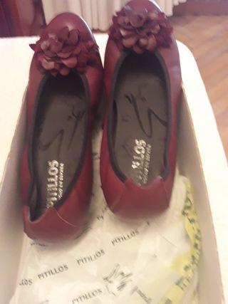 Zapatos burdeos pielnuevos marca pitillos talla 38