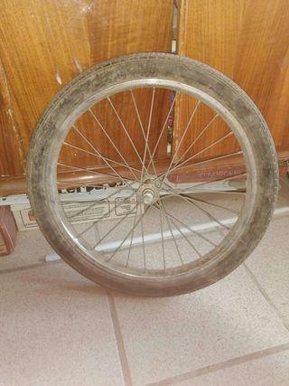 rueda delantera para bicicletas antiguas
