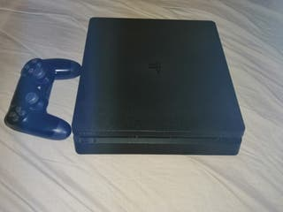 PlayStation 4 slim with games
