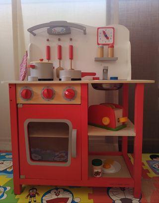 Cocinita de madera de juguete como nueva.