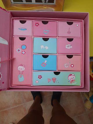 "caja ""recuerdos bebé niña"" de tuc tuc"