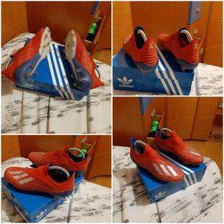7 pares de botas de fútbol