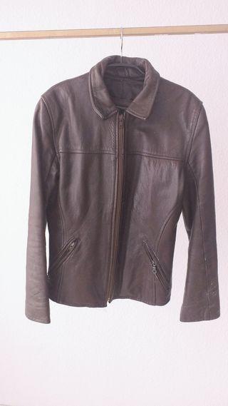 chaqueta cuero marrón