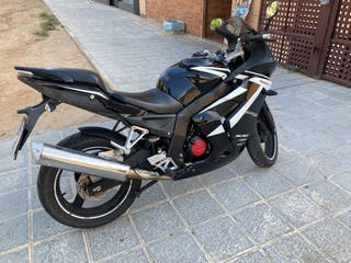Daelim Roadwin 125 R impecable
