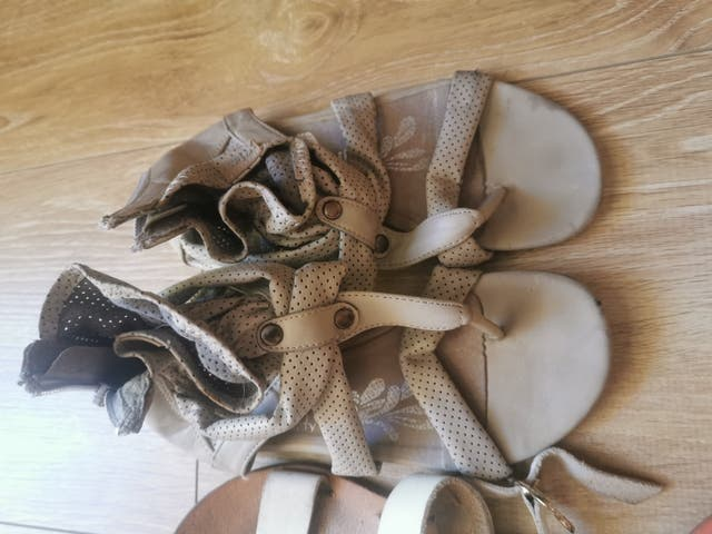 Las sandalias, lote 5 pares por 5 euros