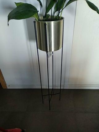 Macetero de pie con soporte en metal NUEVO
