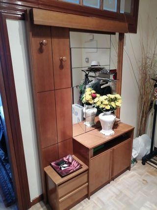 mueble entrada con cajones, puertas, espejo y colg