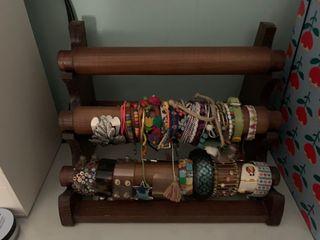 Expositor estante / balda madera para pulseras