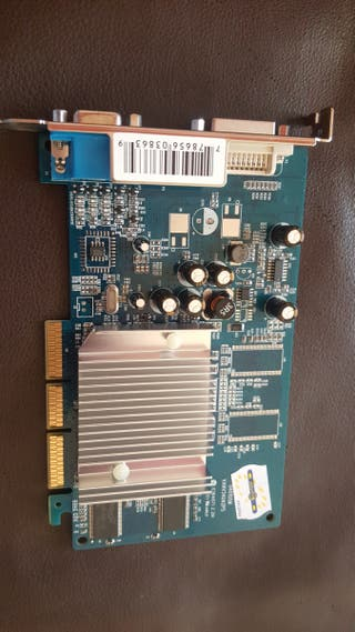 nvidia GeForce gf fx5200 vga dvi agp 128mb