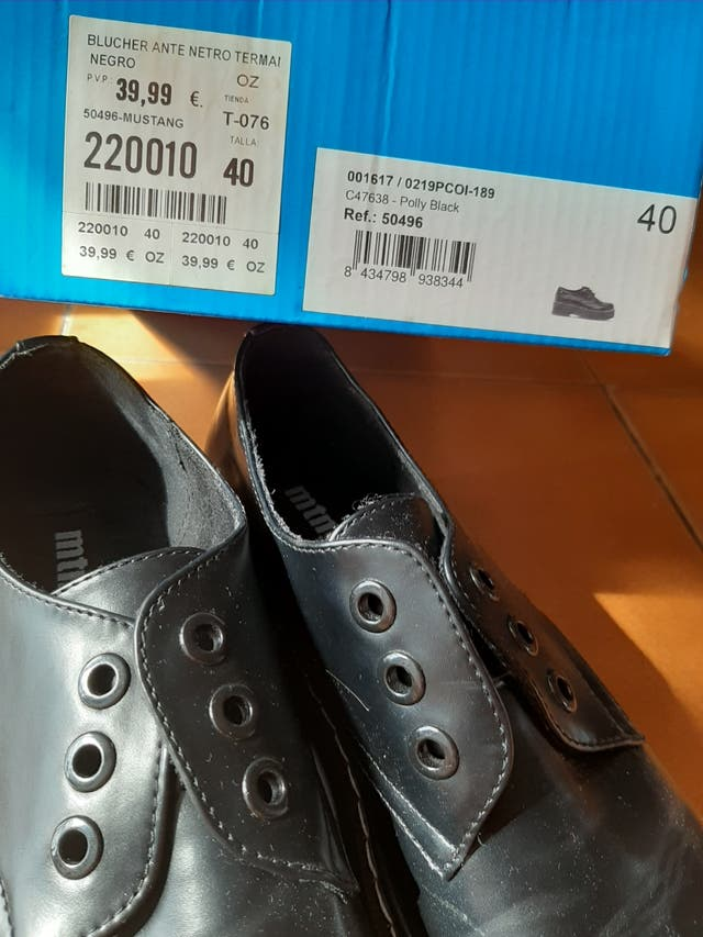 Zapatos mustang T40