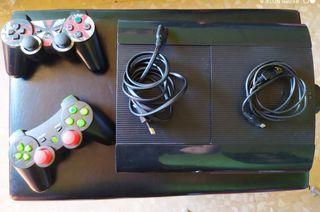 Ganga!!! PS3 con 2 mandos personalizados