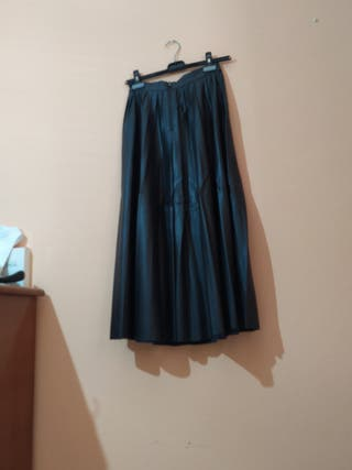 Falda midi polipiel