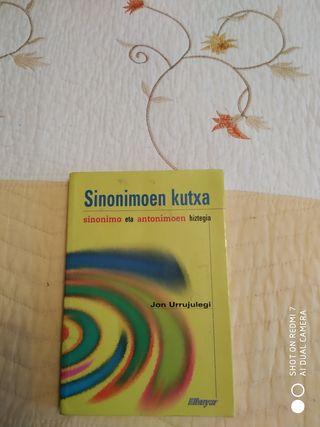libro sinónimo y antonimos diccionario