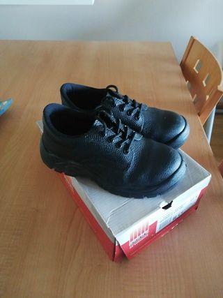 Zapato seguridad mujer Nuevo talla 37.