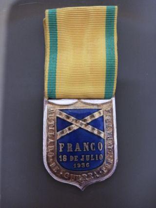 medalla militar condecoración postguerra