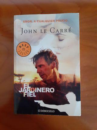 """libro titulado """"El jardinero fiel"""""""