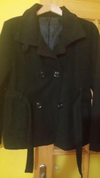 Abrigo negro nuevo L
