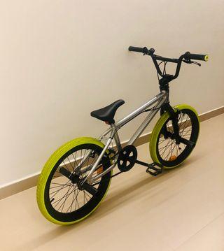 BICICLETA BMX 520 WIPE (2020)