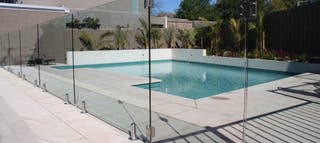 Seguridad vallas piscinas instalaciones