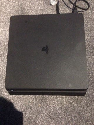 PS4 almost brand new