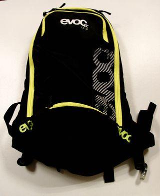 Mochila BTT Camel bag EVOC 6L.