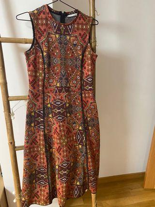 Vestido estampado Zara. Talla S